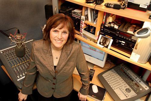 Fiona studio thistle