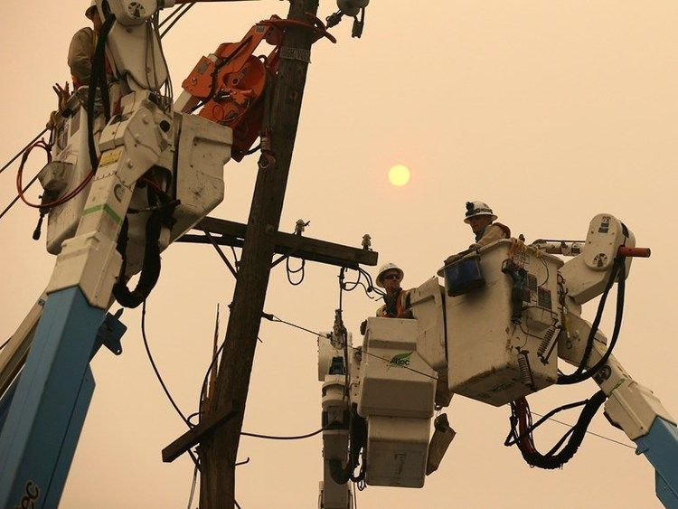 PGE pole workers