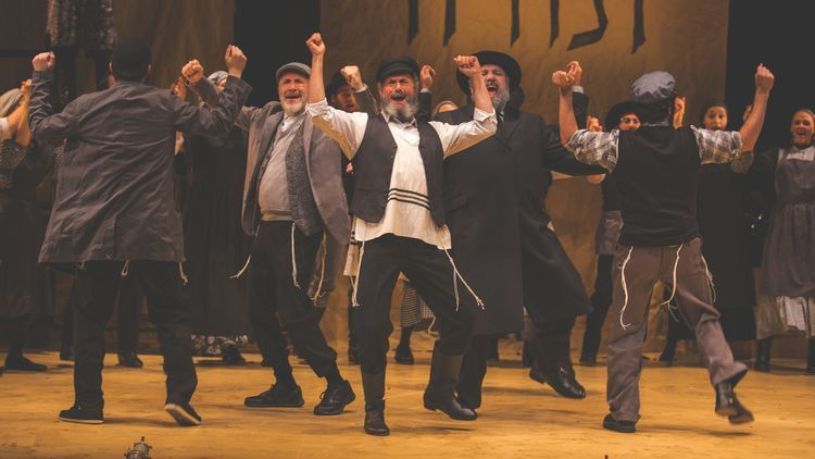 Steven Skybell Plays Tevye in a New Yiddish Production of