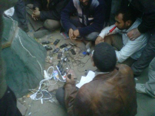 tahrir square_charging_mobiles