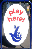 national_lottery_play_here_shop_sign.jpg - 45.15 kB