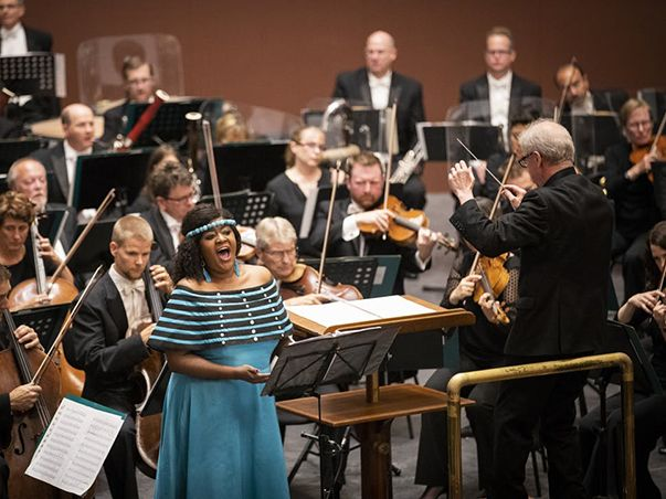MN orchestra in SouthAfrica 603x452